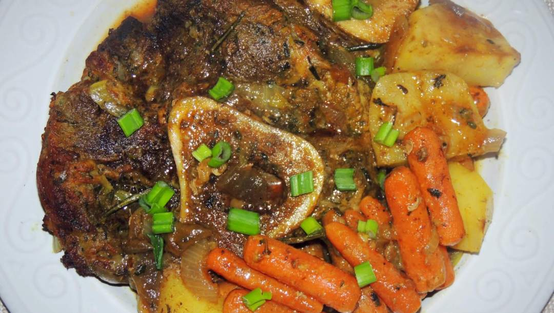 Braised Beef Shank with Vegetables: Recipe and Preparation