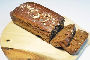 Ontbijtkoek minder suiker met amandelen