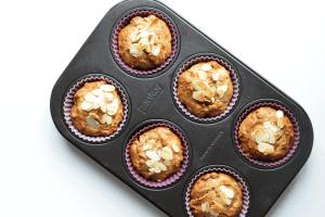 Volkoren pindakaas-banaan muffins