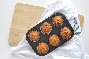 Havermoutmuffins met abrikozen en walnoten