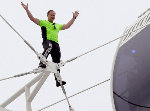 rs_1024x759-150429064711-1024.Nik-Wallenda-Orlando-Eye-JR-42915