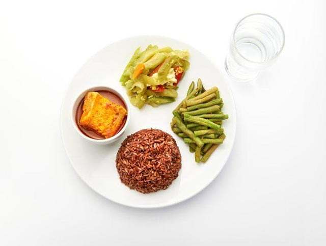A healthy diet consists of healthier options such as brown rice.