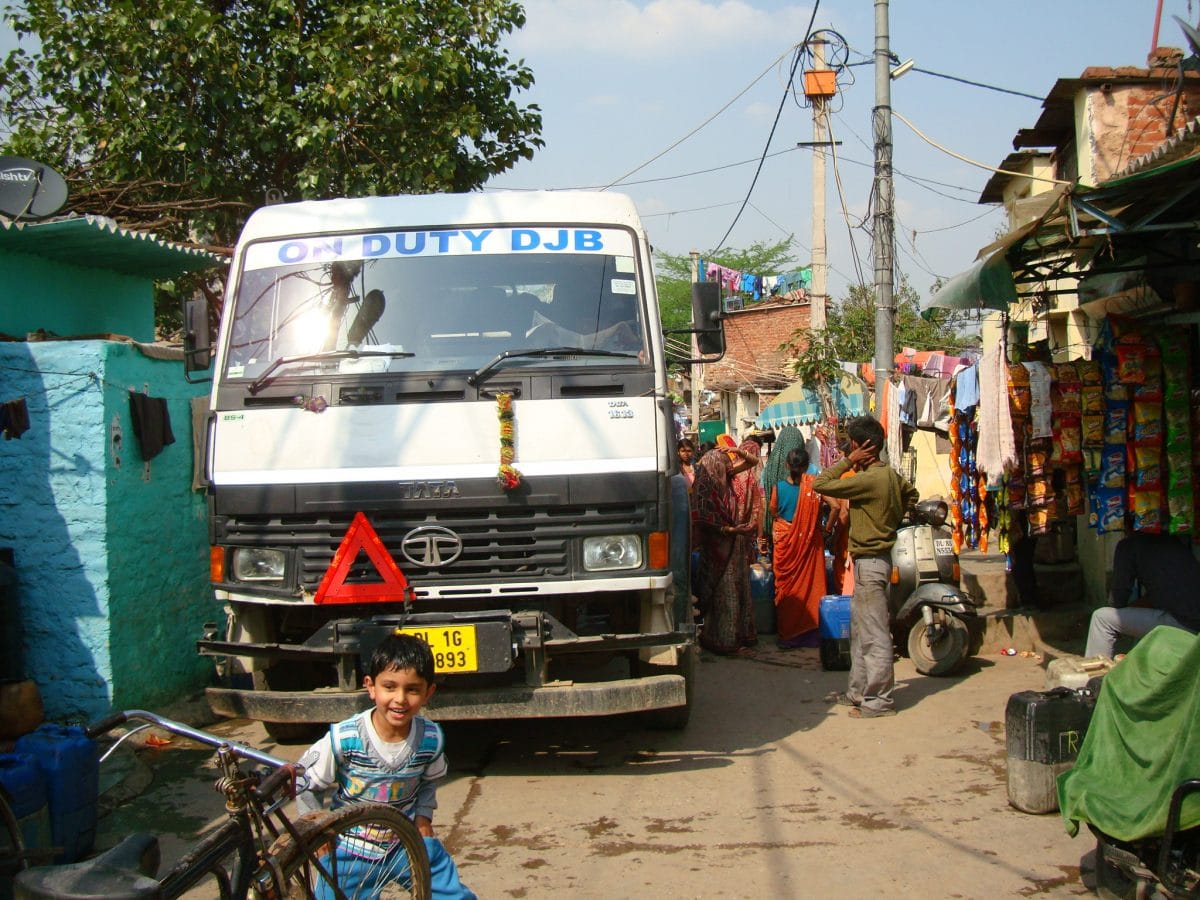 photo essay delhi s water woes in its urban slums health issues  in these narrow lanes when a water tanker arrives it is impossible for other