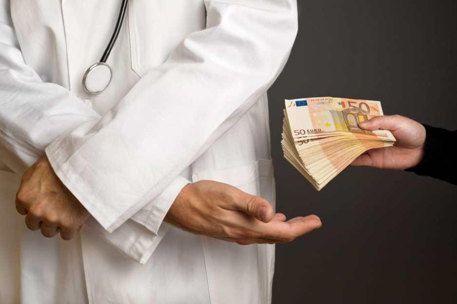Corruption in Indian medical exam system. Copyright: stevanovicigor / 123RF Stock Photo