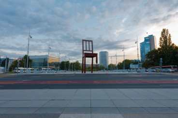 14419628 - geneva, switzerland - september 29, 2010: the square at un headquarters with the world ip office and broken chair in geneva, switzerland on september 29, 2010. the un deals with world issues daily Copyright: <a href='https://www.123rf.com/profile_pius99'>pius99 / 123RF Stock Photo</a>