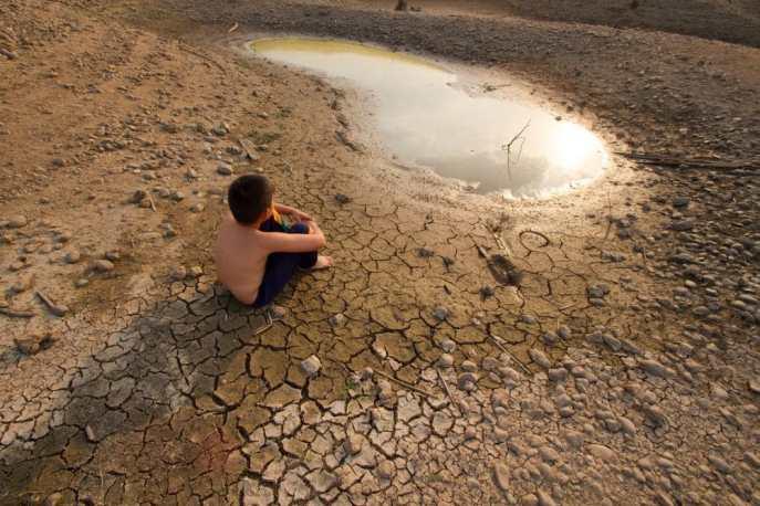 Climate change, water shortages. Copyright: nitsuki / 123RF Stock Photo