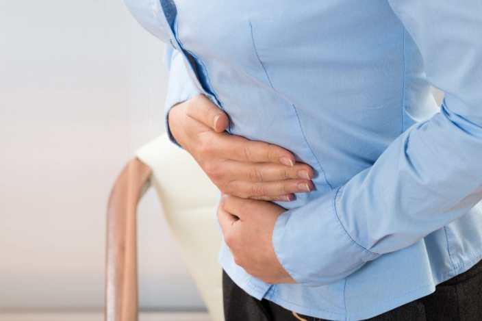Abdominal pain - gallbladder cancer symptom. Copyright: andreypopov / 123RF Stock Photo