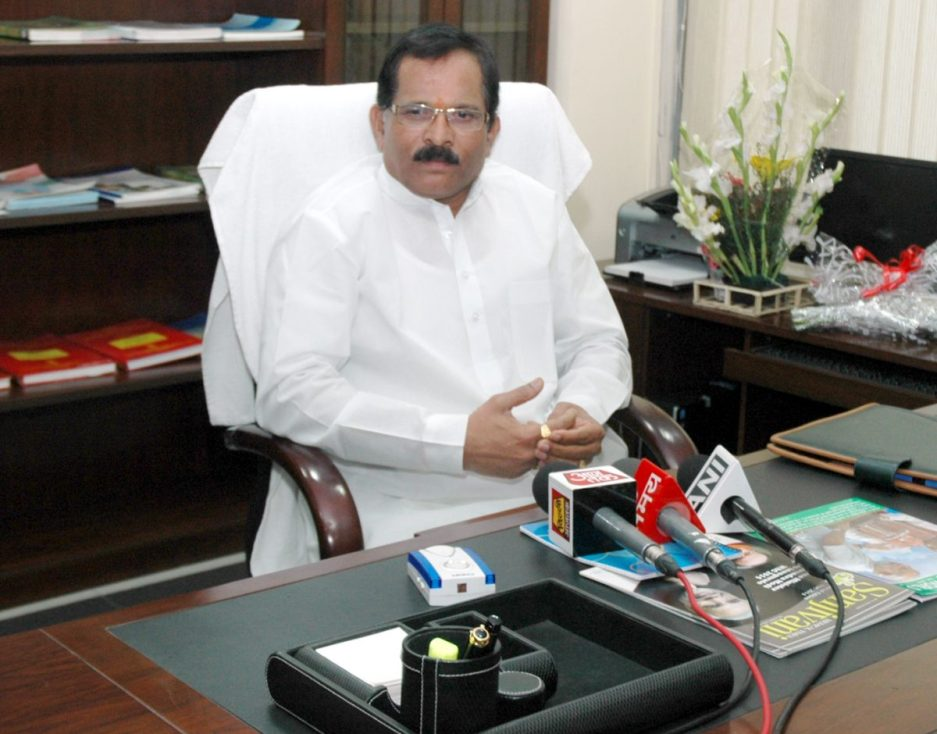 Shri Shripad Naik taking charge as the Minister of State (I/C), Ministry of Ayurveda, Yoga and Naturopathy, Unani, Siddha, and Homoeopathy (AYUSH), and MoS, Ministry of Health & Family Welfare, in New Delhi on November 11, 2014.