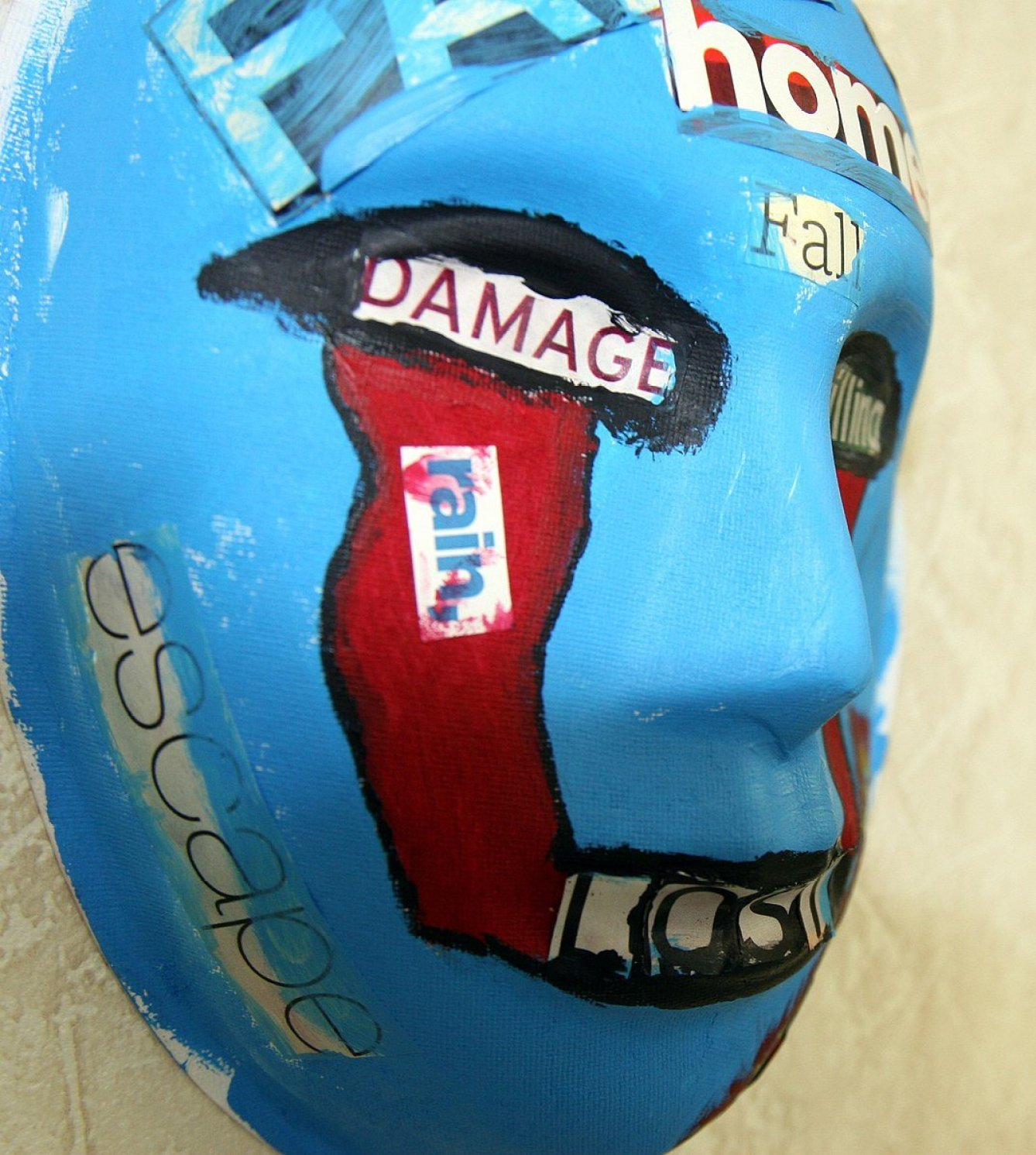 A mask painted by a U.S. Marine who attends art therapy to relieve PTSD symptoms. Image credit: English: Cpl. Andrew Johnston, Public domain, via Wikimedia Commons