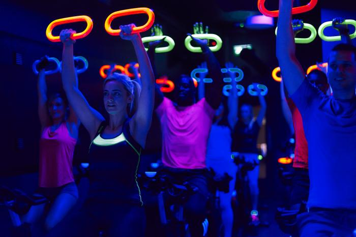 glow spin class gym hopper fitness first by healthista