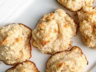 5-Ingredient Chewy Coconut Macaroons Recipe