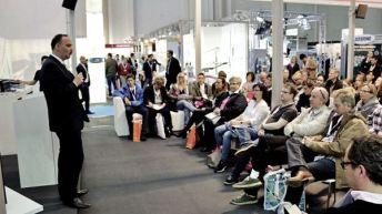 Sorgte für eine gut gefüllte dental arena: Der Vortrag von NWD-Hygienefachberater Mathias Lange zum Thema Praxisbegehung.