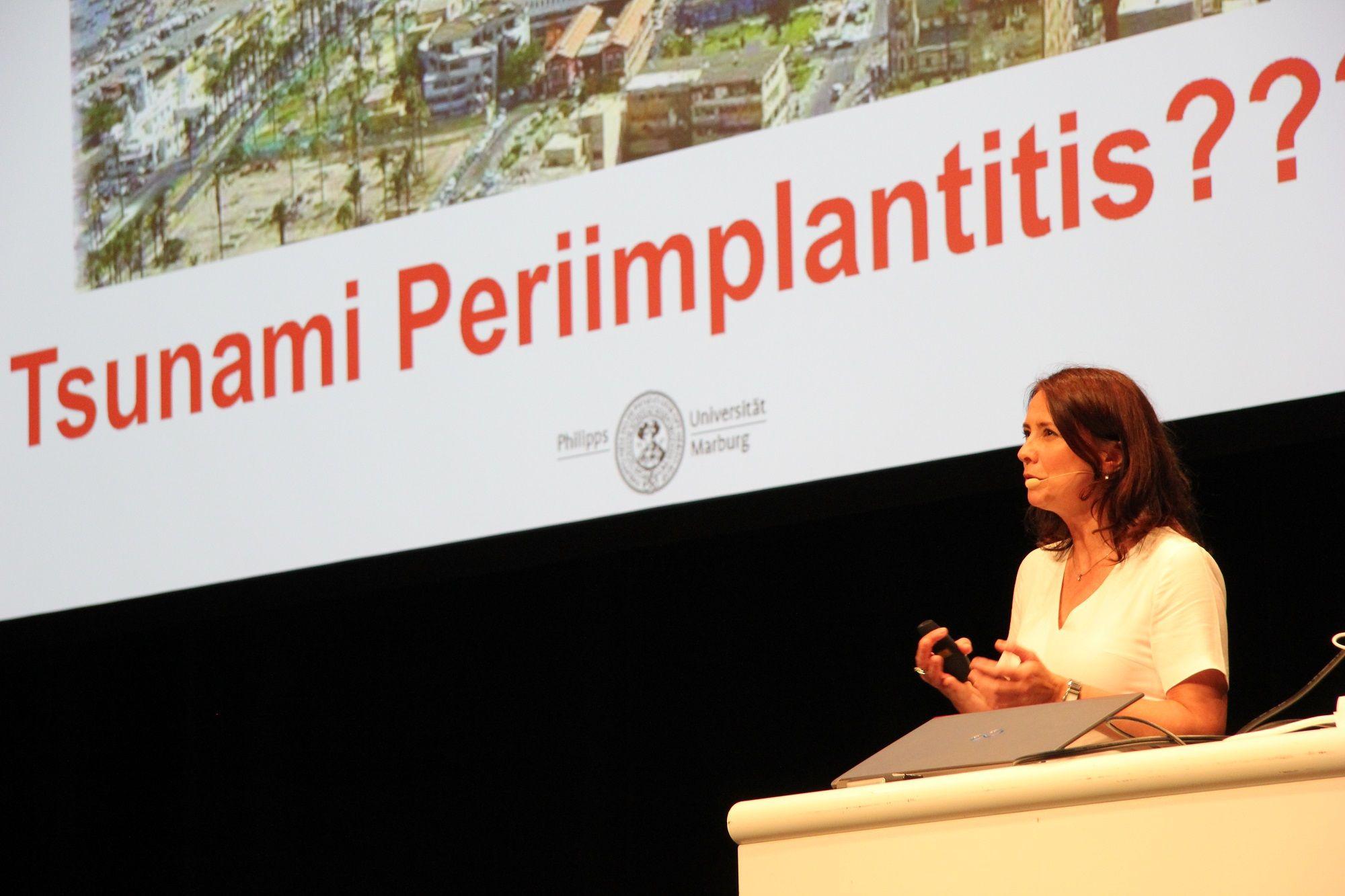 Prof. Dr. Nicole Arweiler ist nur eine von vielen namhaften Referenten, die zur hohen Qualität der Veranstaltung beitragen.
