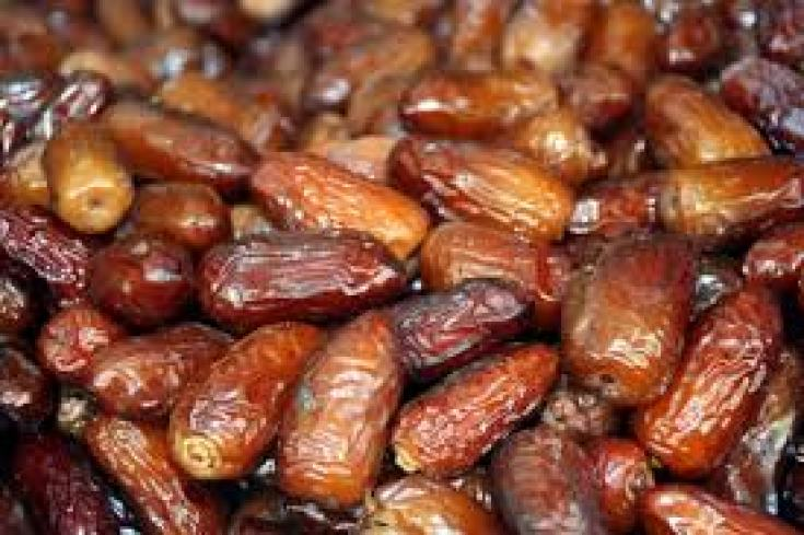 benefits of dates in hindi