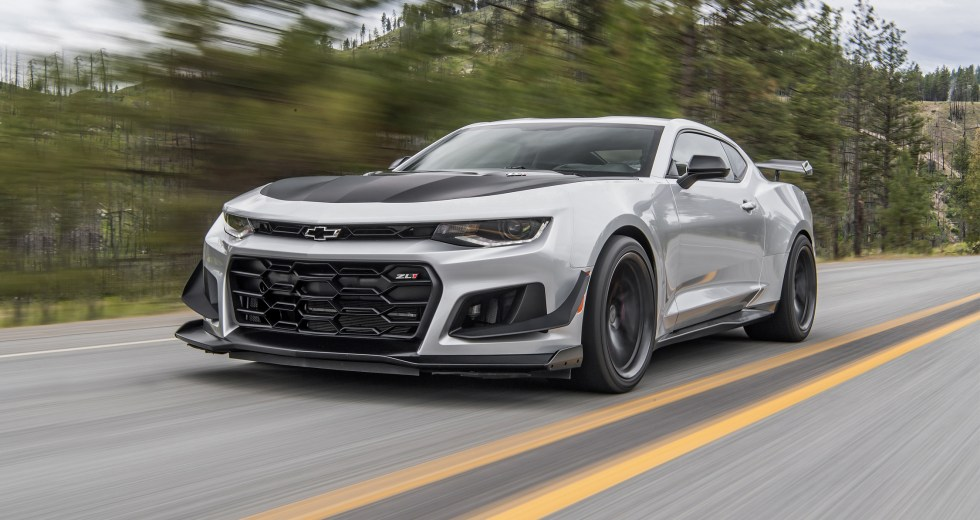 Is the 2018 Chevrolet Camaro SS 1LE better than the 2018 Ford Mustang GT
