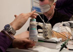 """Amputees Will be Able to """"Feel"""" with Their Prosthetic Hands"""