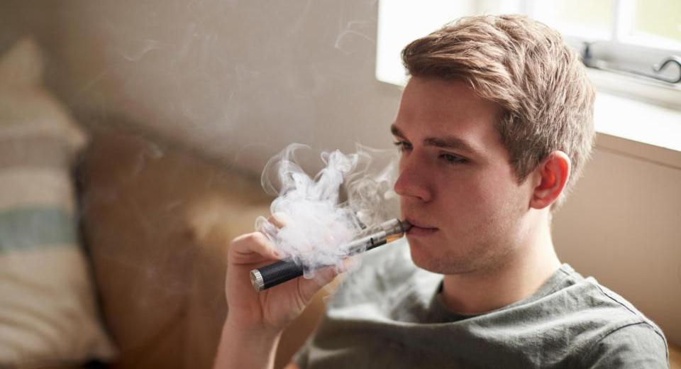 E-Cigarettes Present The Same Carcinogenic Chemicals As The Regular Cigarettes