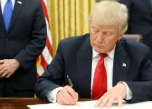 """Right-To-Try"" Law Signed By Donald Trump For Patients To Access Experimental Treatments"