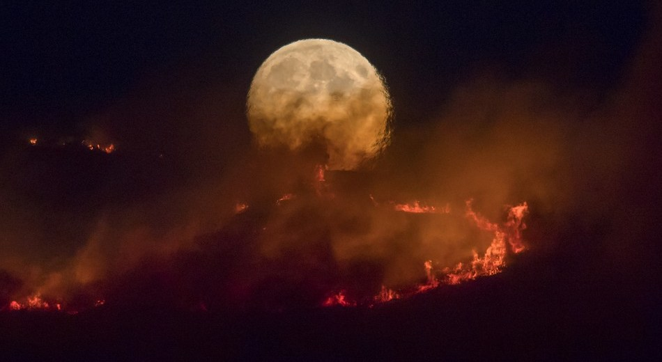 The UK Space Agency Used Satellites To Map Fire On Saddleworth Moor