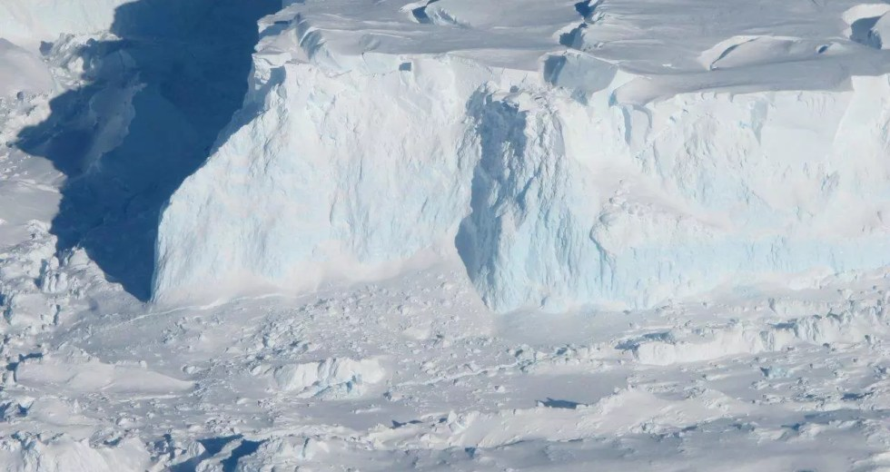 The Catastrophic Rise of the Sea Level could be Stopped by a Giant Artificial Wall placed under Antarctica's Ice Sheets