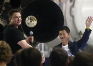 Japanese Billionaire Yasaku Maezawa To Fly Around The Moon With SpaceX