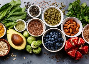 5 Superfoods To Reduce Cholesterol Levels And Heart Attack Risks