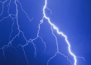 Puzzling Lightning Strikes Hit The North Pole
