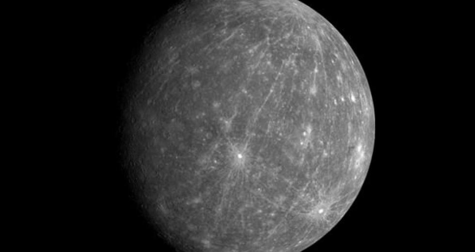 Ice on Mercury Exists, Despite The Planet's Infernal Temperatures