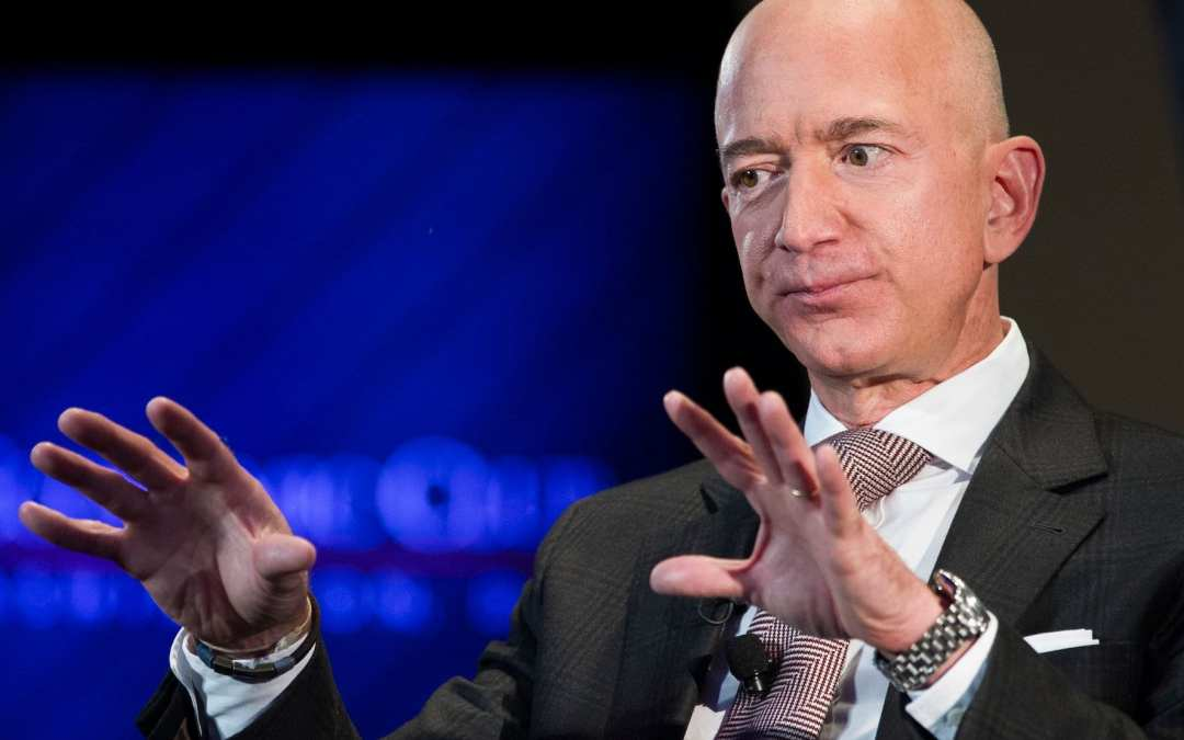 Theres one clear sign Jeff Bezos looks for to gauge how smart people are