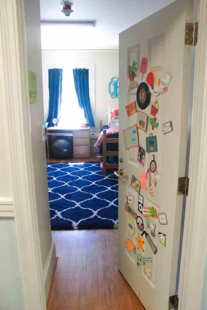 junior year dorm room (6 of 7)
