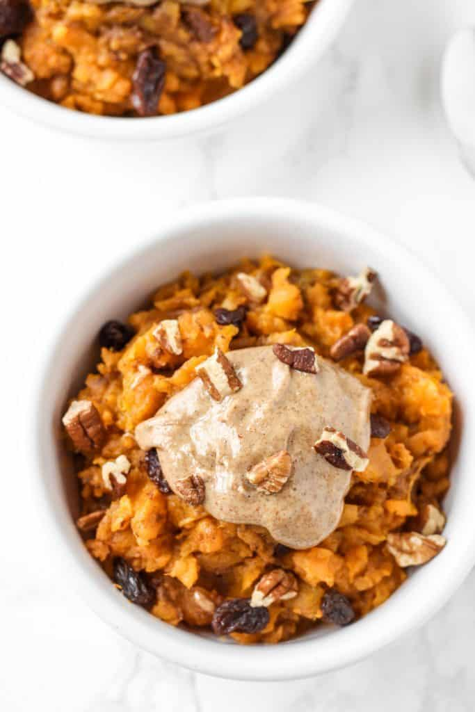 This sweet potato breakfast bowl is an easy, make-ahead healthy breakfast that reminds me of sweet potato casserole! // www.healthy-liv.com