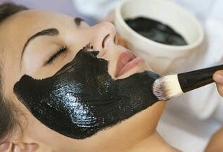 ماسك الفحم بالعسل لنثاء البشرة