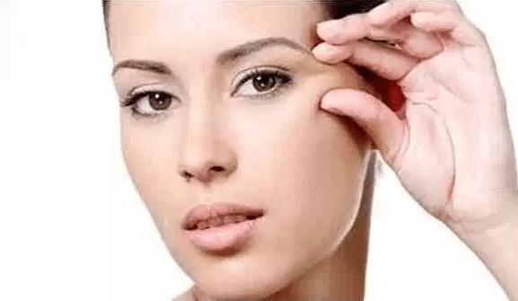 علاج تجاعيد الوجه بزيت الزيتون