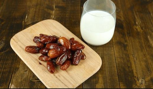 فوائد التمر والحليب للحامل