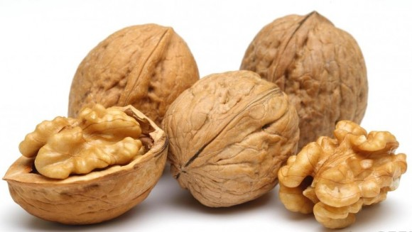 walnuts-autumn-fruit-with-amazing-health-benefits
