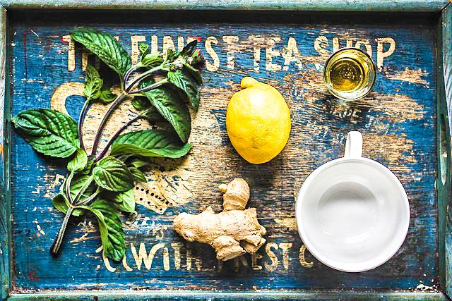 ginger, lemon tea