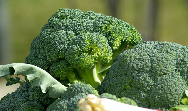 Broccoli contains 11.4mg per ounce