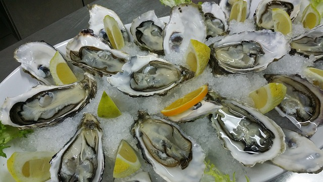 Oysters contain 6.6mg per cup