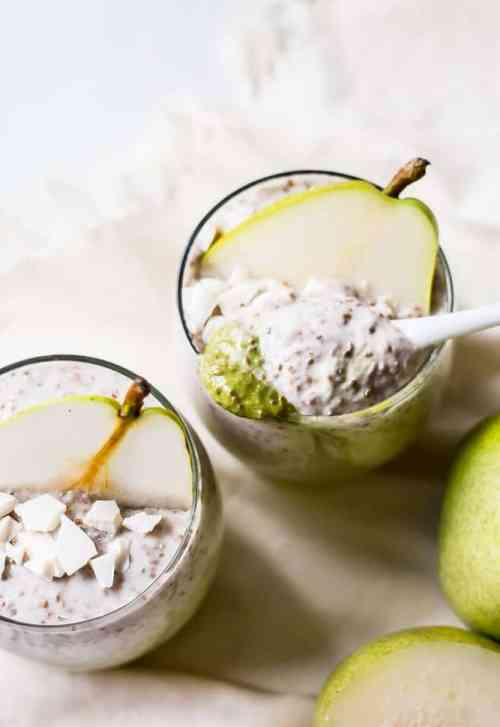 white chocolate pear chia pudding