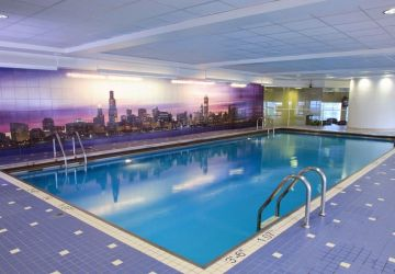Hotel Pool, Swisshotel Chicago, Healthy Living + Travel