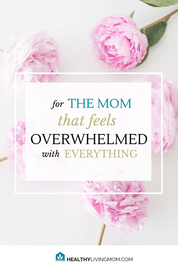 Overwhelmed? Crush that overwhelm with confidence using simple and practical tips. Including free resources from Lara Casey and Emily Ley. #emilyley #cultivatewhatmatters #simplified #overwhelmedmom