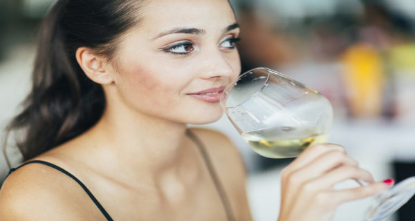 A Glass Of Wine A Day Is Linked To A Deadly Disease In Young Women!