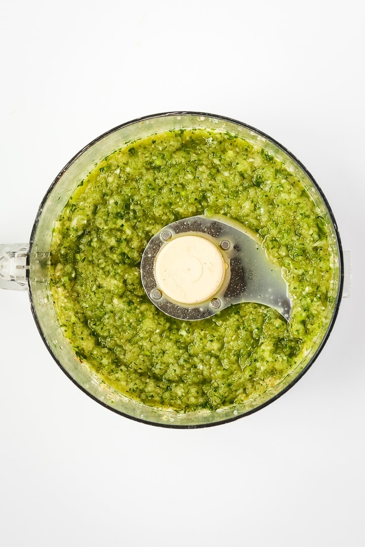 cilantro, jalapeño, lime, garlic, onion and spices blended up in a food processor.