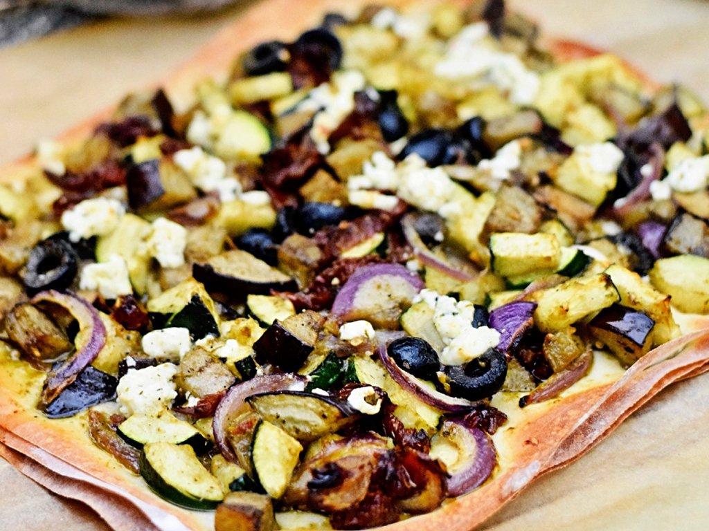 Plaattaart met pesto en gegrilde groente | Makkelijk recept