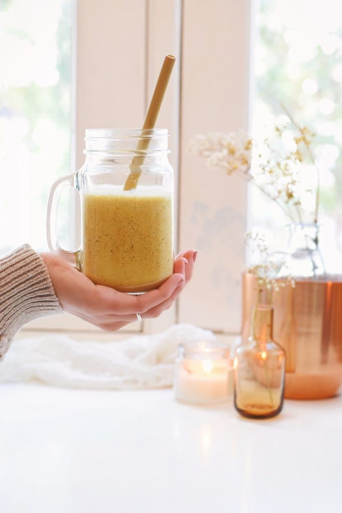 Gezonde kurkuma smoothie | Smoothie recept van Healthy Wanderlust
