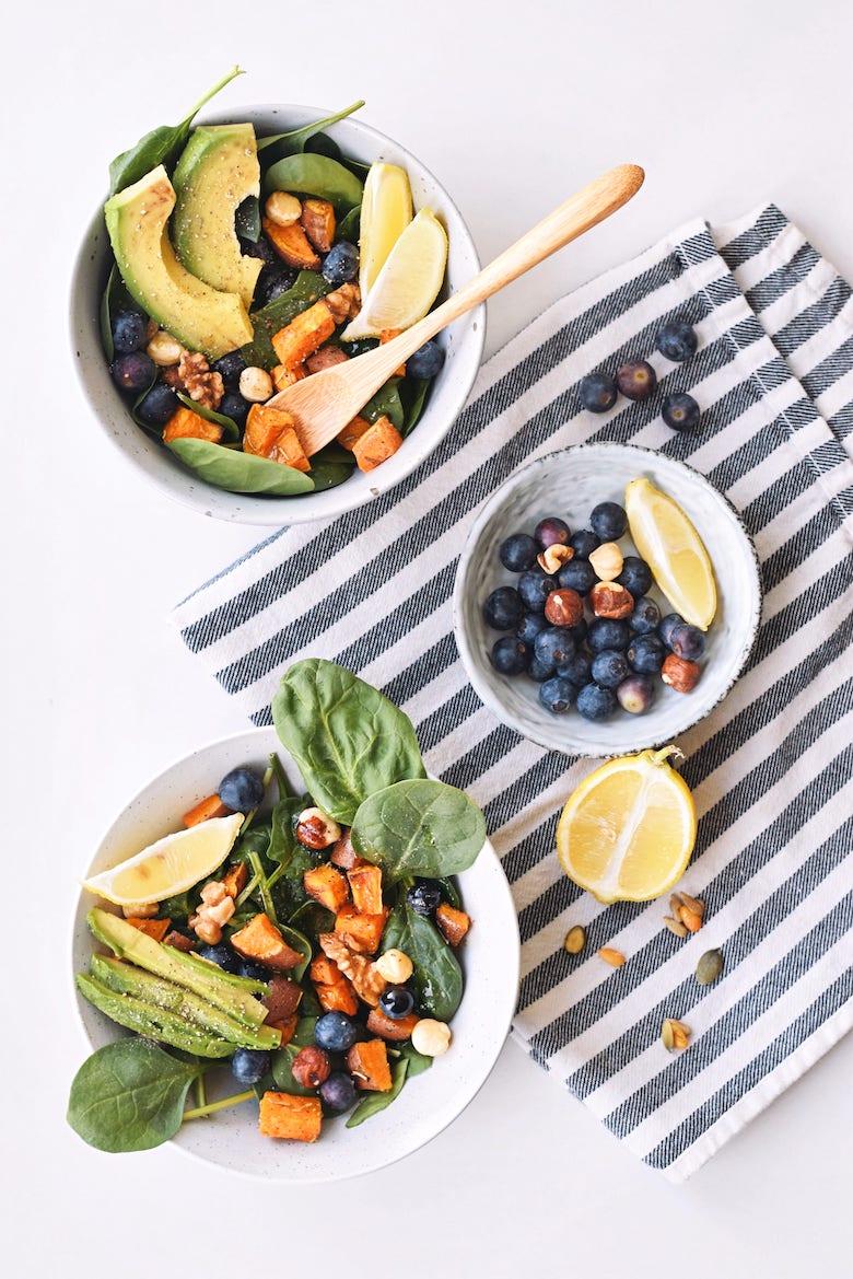 Salade met blauwe bessen en pacannoten   Gezonde salade