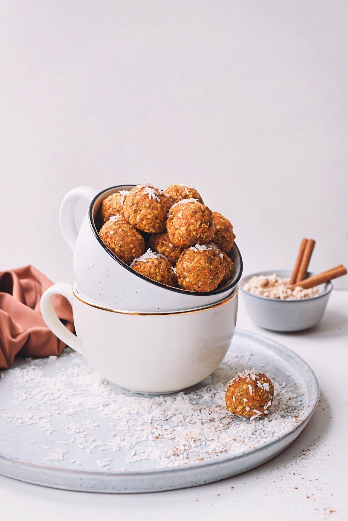 Carrot cake energie balletjes   Bliss balls als gezonde snack