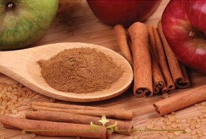 Apple Cinnamon Scented Candles