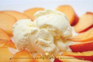 Peaches & Cream Scented Candles