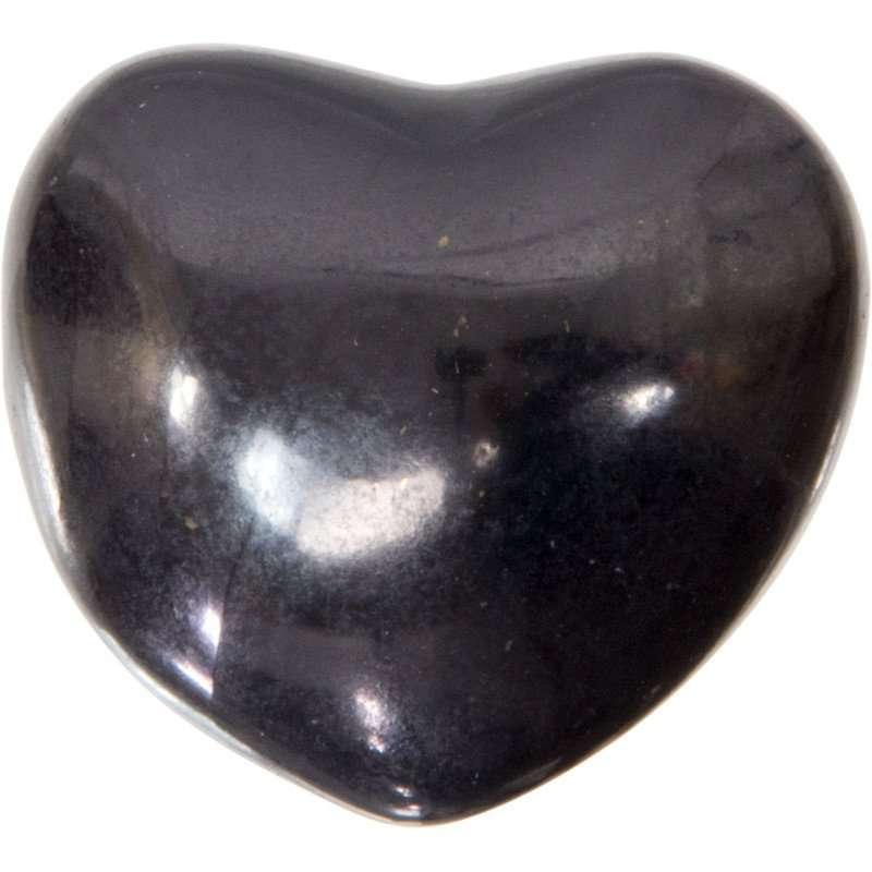 Carved gemstone heart - shungite.